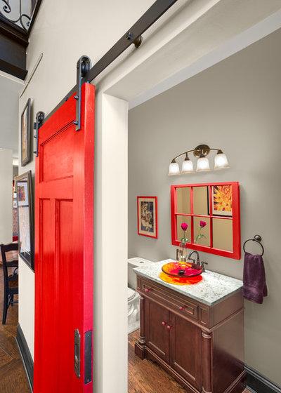 Trendy Lille badeværelse by Prime 1 Builders