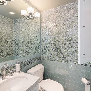 Идея дизайна: туалет в стиле современная классика с врезной раковиной, плиткой мозаикой и синей плиткой