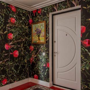 На фото: входная дверь в стиле фьюжн с разноцветными стенами, одностворчатой входной дверью, белой входной дверью и разноцветным полом с