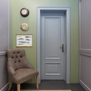 Свежая идея для дизайна: ванная комната в стиле современная классика с зелеными стенами, полом из керамической плитки и серым полом - отличное фото интерьера
