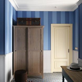 На фото: прихожая в скандинавском стиле с синими стенами