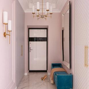 На фото: входная дверь среднего размера в стиле современная классика с полом из керамогранита, бежевым полом, розовыми стенами, одностворчатой входной дверью, белой входной дверью и многоуровневым потолком