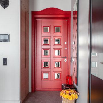 Квартира в ЗИЛАРТ с красной дверью