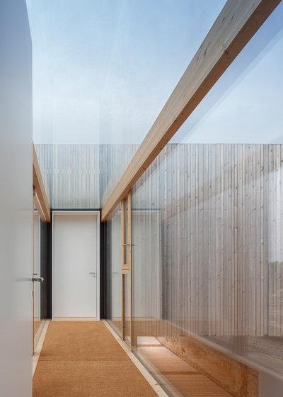 地中海 廊下 by Marià Castelló, Architecture