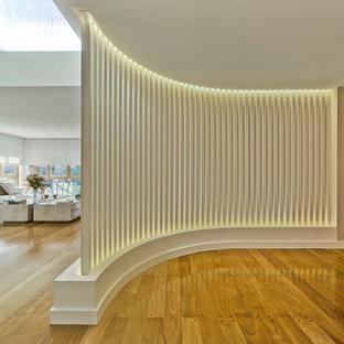 Trendy hallway photo in Alicante-Costa Blanca