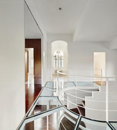 Современная классика Коридор by Arquitectura-G
