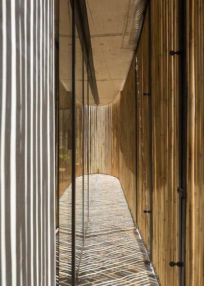 Contemporáneo Recibidor y pasillo by Metroarea Architetti