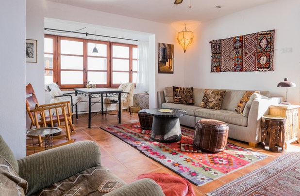 Mediterranean Family & Games Room by Alejandro C. -  Fotografia de Interiores