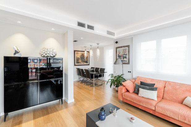 Moderno Sala de estar by Sebastian Bayona Bayeltecnics Design