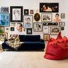 Ideas para decorar tu casa con una composición de cuadros o fotografías