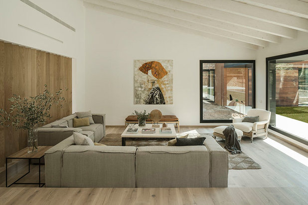 Contemporary Family Room by Susanna Cots