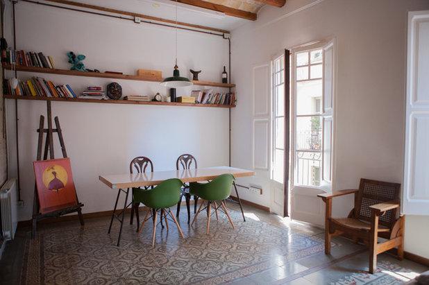 Clásico renovado Sala de estar by Stefano Nicoli