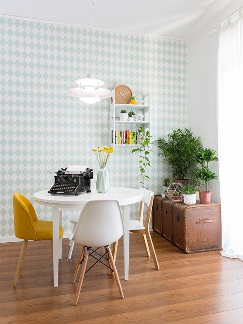 salle manger r tro avec un mur multicolore photos et id es d co de salles manger. Black Bedroom Furniture Sets. Home Design Ideas