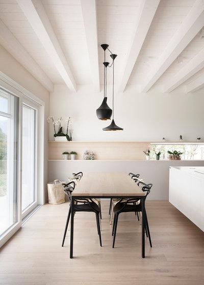 Scandinavian Dining Room by Marianna Porcellato Porvett