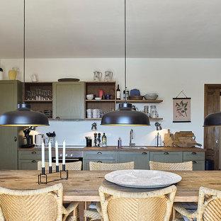 Idee per una grande sala da pranzo aperta verso la cucina country con pareti bianche