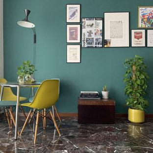 Bild på en liten funkis matplats med öppen planlösning, med gröna väggar, marmorgolv och lila golv