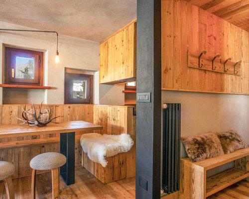 Sala da pranzo in montagna con pareti beige - Foto, Idee, Arredamento