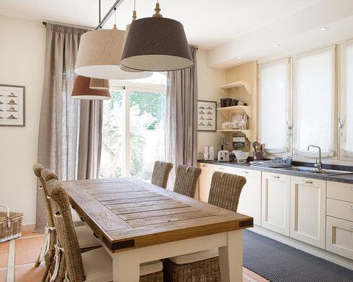 Sala da pranzo aperta verso la cucina - Foto, Idee, Arredamento