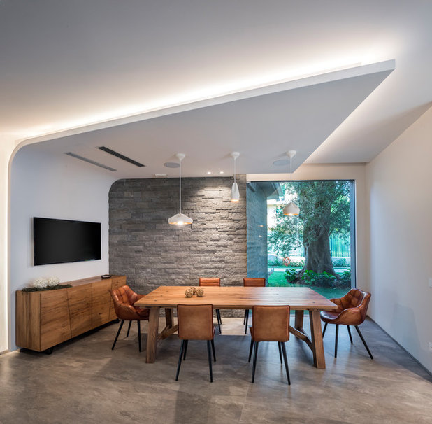 Contemporary Dining Room by Ino Piazza studio