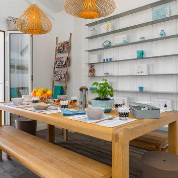 Accessoirisation d'un appartement en location - Salle à manger contemporaine