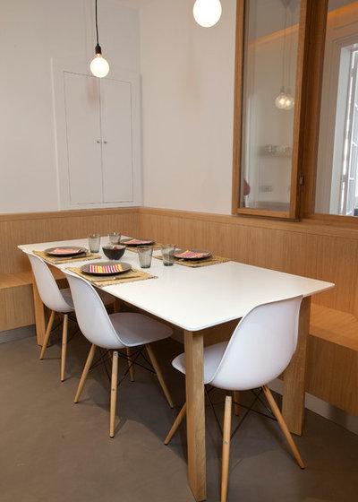 visite priv e un somptueux appartement tout de blanc et. Black Bedroom Furniture Sets. Home Design Ideas