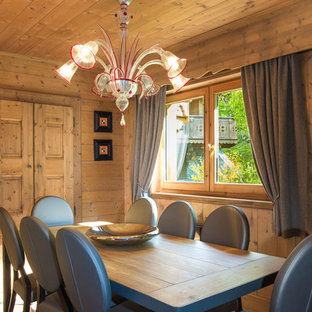 Cette photo montre une salle à manger montagne.