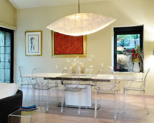 cette photo montre une salle manger ouverte sur le salon tendance de taille moyenne avec