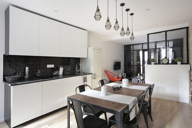 visite priv e l 39 optimisation spectaculaire d 39 un petit loft. Black Bedroom Furniture Sets. Home Design Ideas