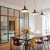 Aménager sa cuisine : 10 solutions pour intégrer une verrière atelier