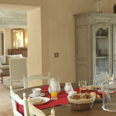 Traditional Dining Room by Décoration et provence