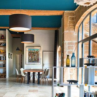 Inspiration pour une grande salle à manger ouverte sur le salon design avec aucune cheminée.