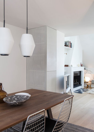 Contemporary Dining Room by atelier daaa