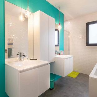 Salle de bain avec un mur bleu : Photos et idées déco de salles de bain