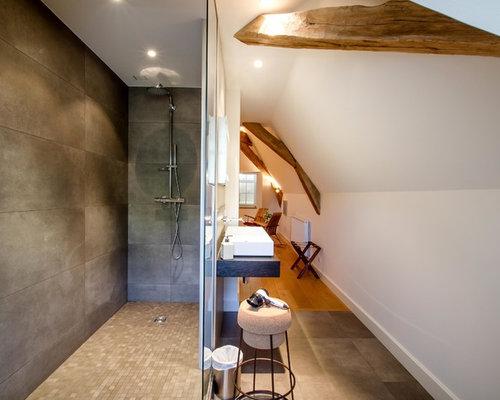 Salle De Bain Avec Un Carrelage Marron Photos Et Idées Déco De - Carrelage marron salle de bain