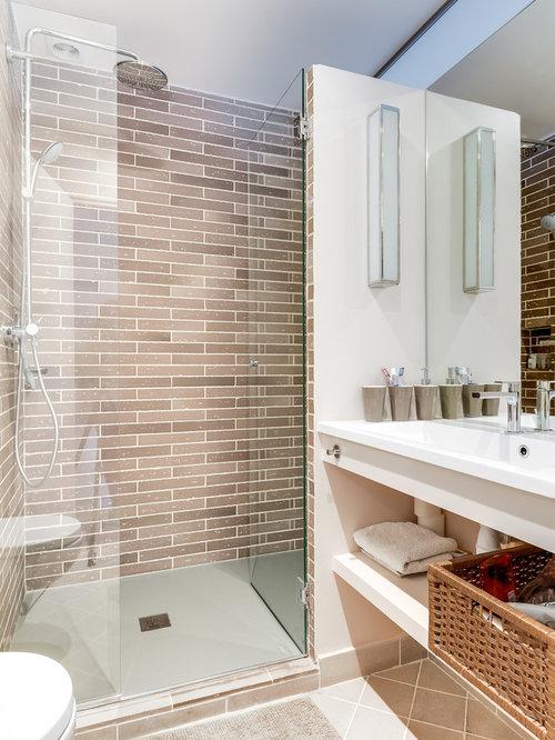 Salle de bain avec un carrelage beige et un wc suspendu photos et id es d c - Salle de bain chocolat et blanc ...