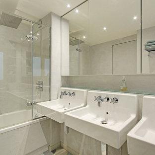 Salle De Bain Avec Une Baignoire D Angle Photos Et Idees Deco De