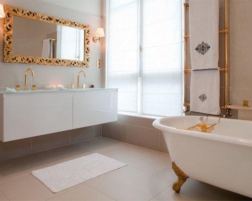 Salle de bain avec une baignoire sur pieds photos et id es d co de salles d - Taille moyenne salle de bain ...