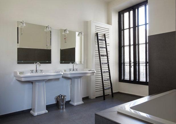 Modern Badezimmer by Sarah Lavoine - Studio d'architecture d'intérieur