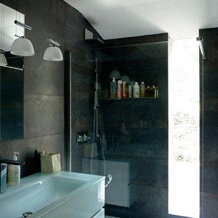 Example of a tuscan bathroom design in Corsica