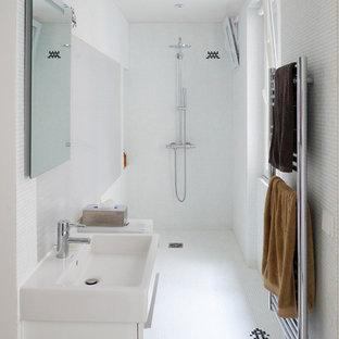 Inspiration pour une salle d'eau design.