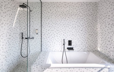 9 façons de combiner douche et baignoire dans une salle de bains