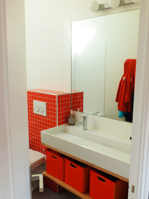 Midcentury bathroom design ideas renovations photos for Bathroom ideas with red walls