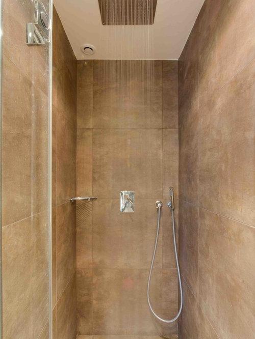 Salle d 39 eau avec un mur beige photos et id es d co de - Deco petite salle d eau ...