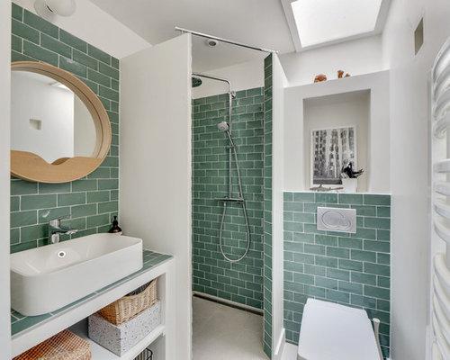 inspiration pour une salle deau design avec un placard sans porte une douche