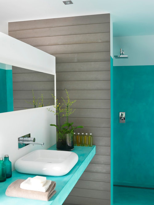 Mid Sized Contemporary 3/4 Bathroom Idea In Nantes With A Vessel Sink And