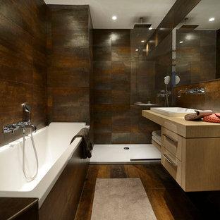 Aménagement d'une salle de bain principale contemporaine.