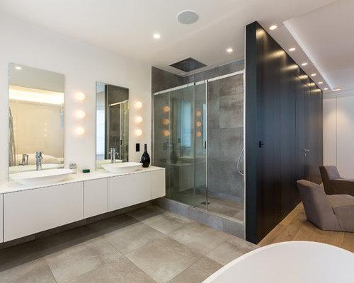 Salle de bain avec un carrelage marron photos et id es - Salle de bain blanche et marron ...