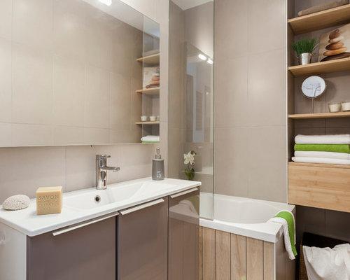 Salle de bain avec une baignoire d 39 angle photos et id es for Deco salle de bain avec baignoire