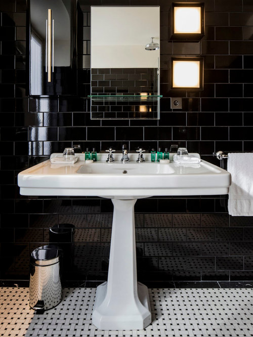 salle de bain avec un carrelage noir et un carrelage m tro photos et id es d co de salles de bain. Black Bedroom Furniture Sets. Home Design Ideas