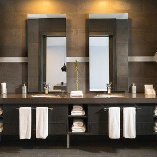 Inspiration pour une salle de bain principale design avec un placard en trompe-l'oeil, des portes de placard marrons, un carrelage marron, un mur multicolore, un lavabo encastré, un sol marron, un plan de toilette marron et meuble double vasque.